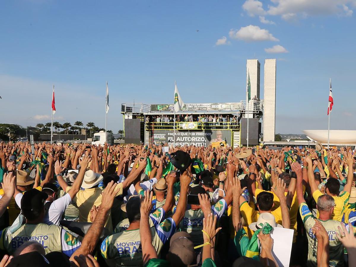 Ato de apoiadores de Bolsonaro em 15 de maio de 2021: caravanas esperadas na manifestação do dia 7 em Brasília lotam hotéis da cidade –